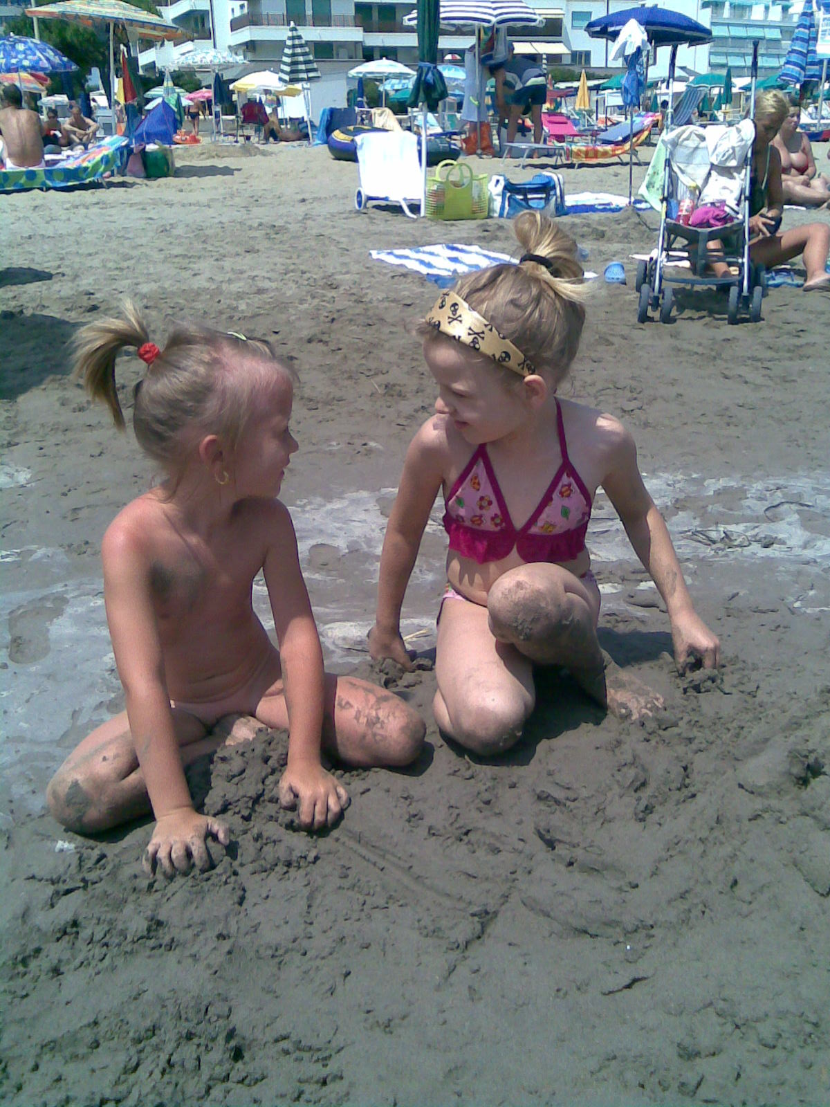 Plaža - Page 6 Deti%20na%20plazi